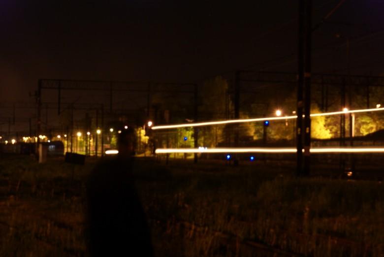 Nocny trainspotting po sąsiedzku.